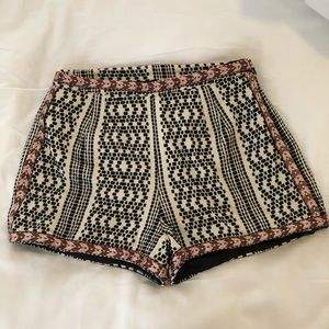 Tularosa Dressy pattern shorts - never worn!